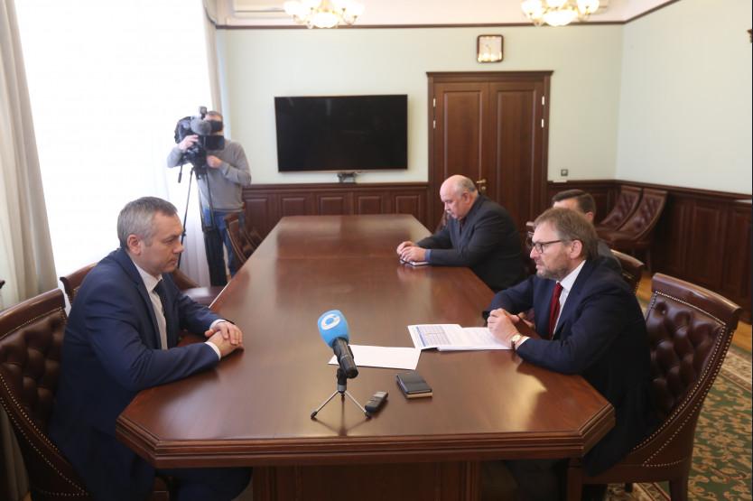 Андрей Травников - на переднем плане слева; Борис Титов - на переднем плане справа.