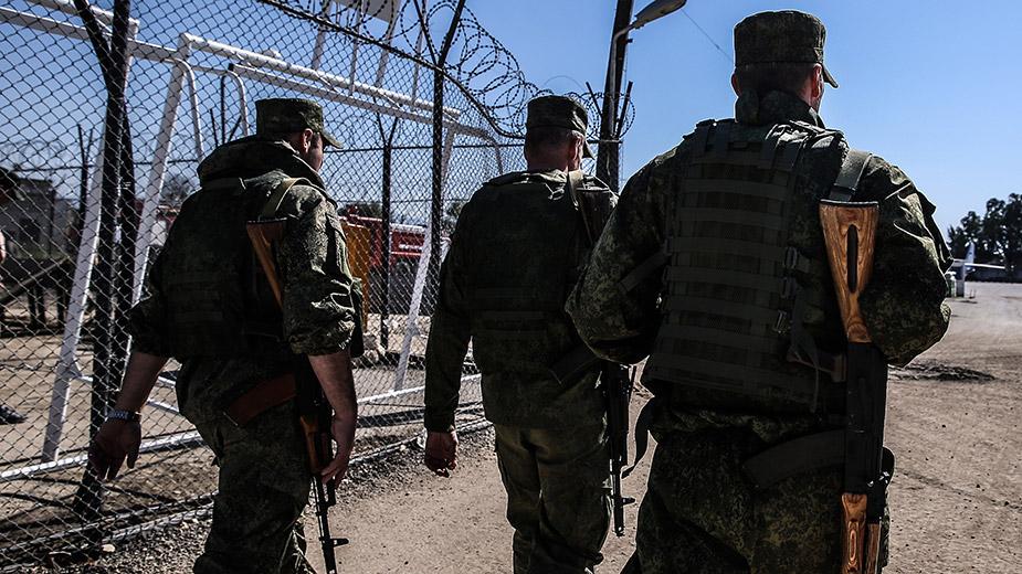 Российские военнослужащие на авиабазе Хмеймим