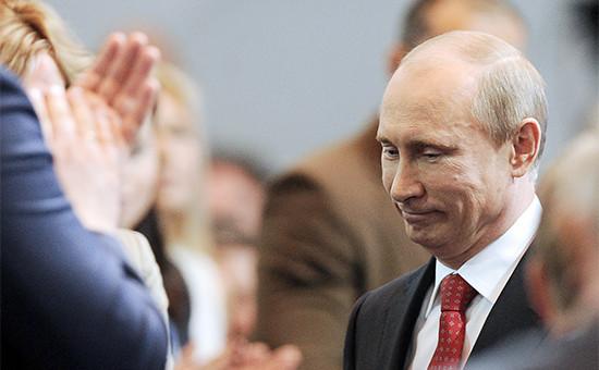 Президент РФ Владимир Путин наXIII съезде всероссийской политической партии «Единая Россия». 26 мая 2012 года