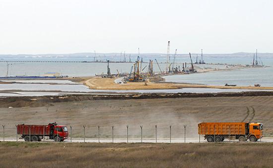 Строительство моста через Керченский пролив в Крым. Видиз окрестностей поселка Тамань в Краснодарском крае
