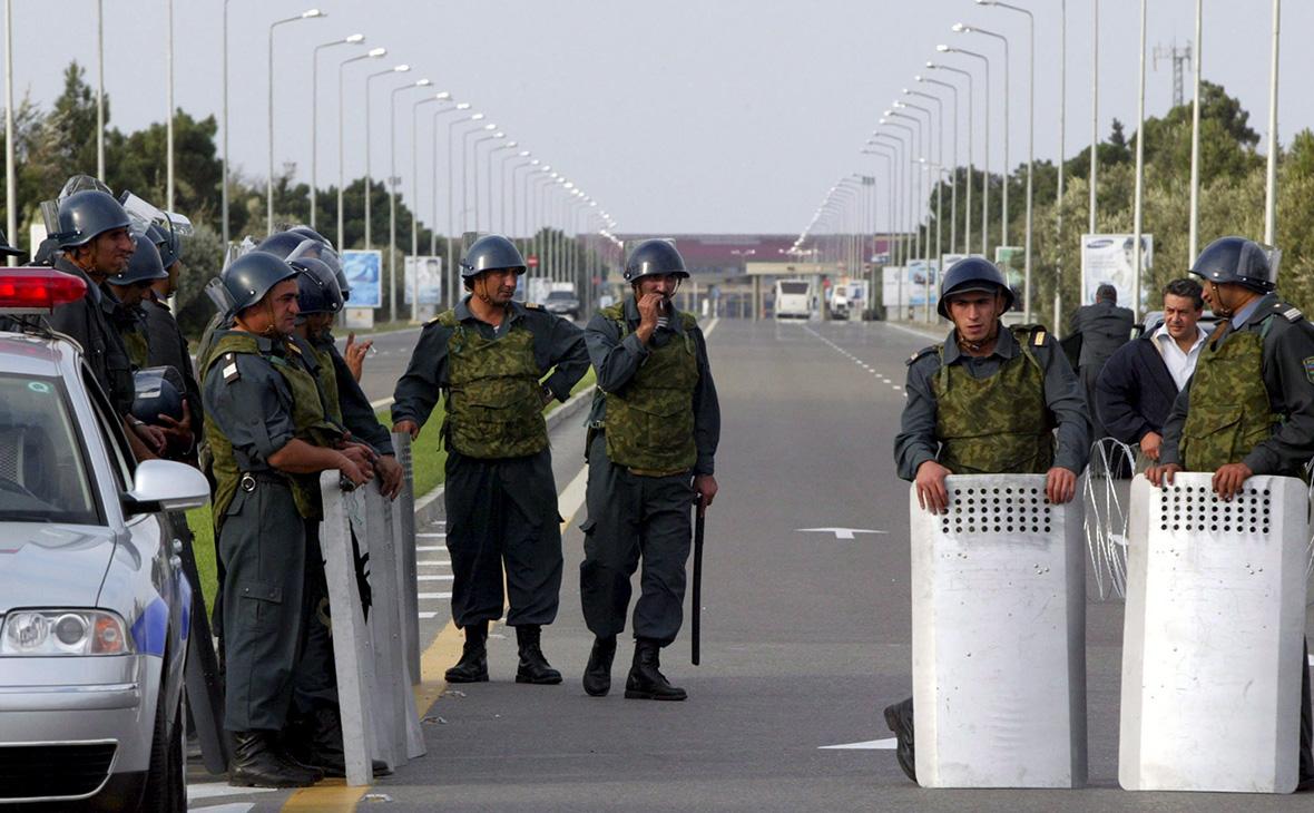 Сотрудники полиции в Азербайджане