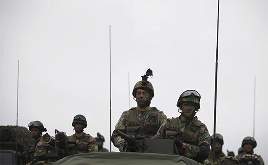 Солдаты стран НАТО во время учений, 2015 год