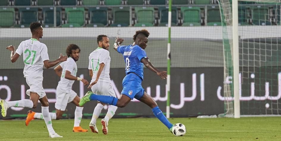 Сборная Италии выиграла первый матч под руководством Манчини