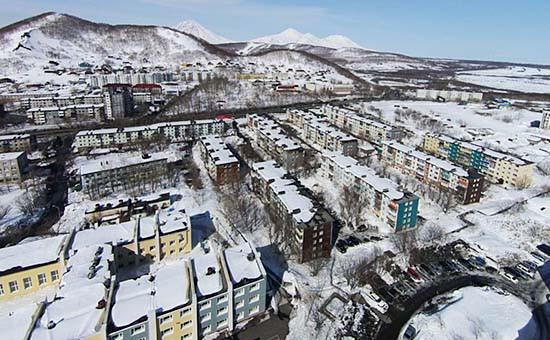Вид на Петропавловск-Камчатский, апрель 2015 года