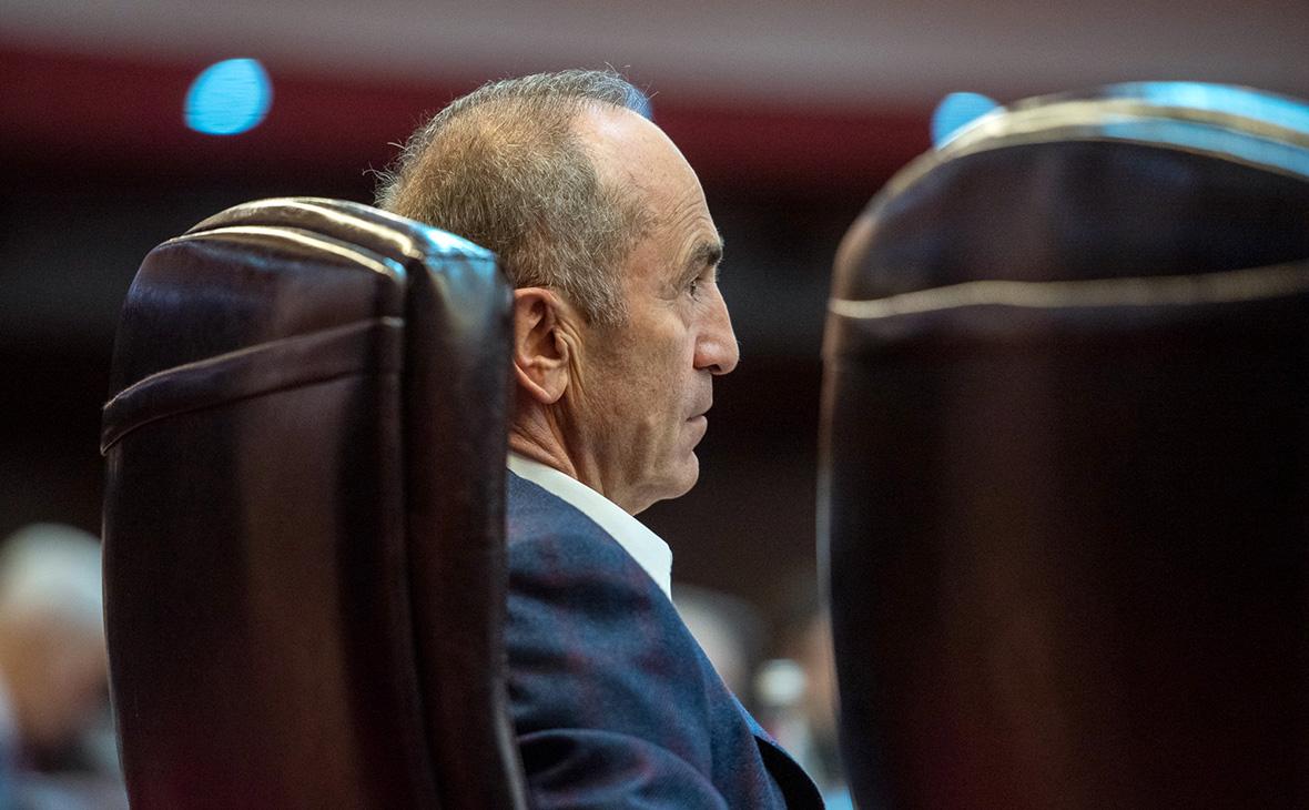 Апелляционный суд Армении постановил арестовать экс-президента Кочаряна