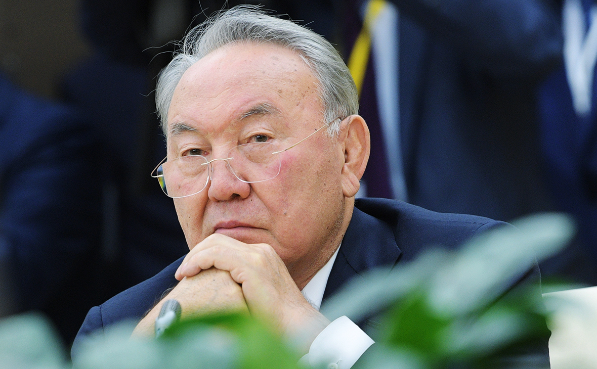 Назарбаев сообщил о согласии Зеленского на встречу с Путиным