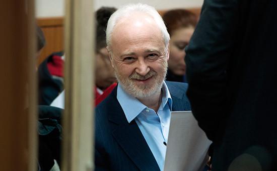 Экс-глава «Роснано» Леонид Меламед в Басманном суде Москвы во время рассмотрения ходатайства следствия опродлении его домашнего ареста, ноябрь 2015 года