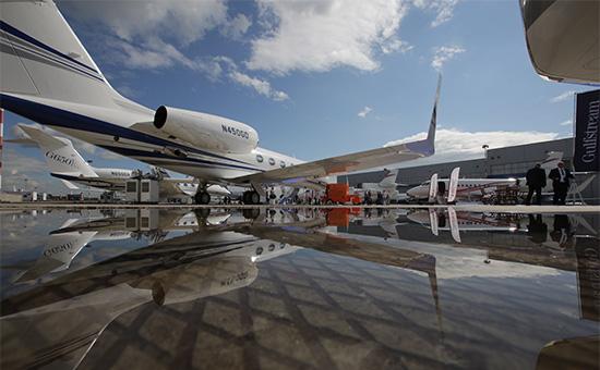 Дальнемагистральный самолет деловой авиации Gulfstream Aerospace G450 в Центре деловой авиации Внуково-3