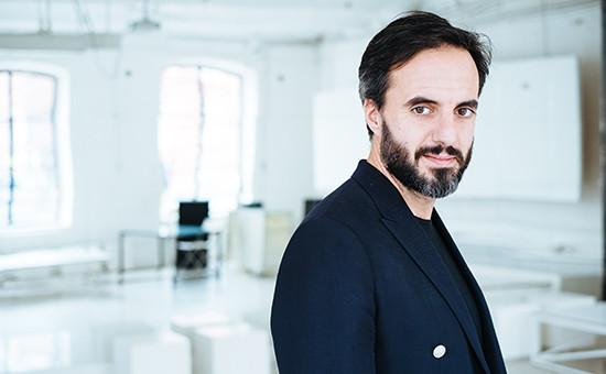746d3d50607 Модный миллиард  как создатель Farfetch объединил в Сети люксовые бутики     Бизнес    Журнал РБК