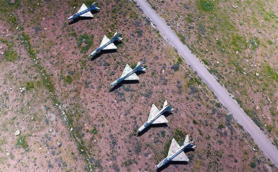 Сирийские самолеты на авиабазе Шайрат. 7 апреля 2017 года