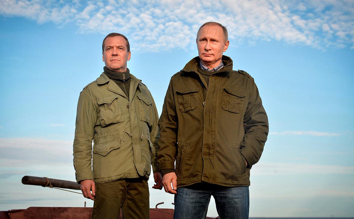 Путин и Медведев на просторах Родины