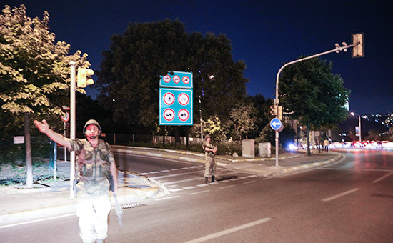 Турецкие солдаты в Стамбуле
