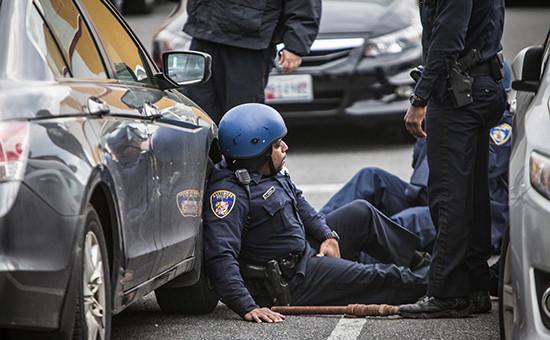 Полицейские во время беспорядков в городе Балтимор