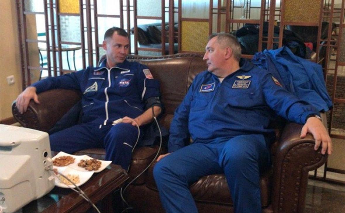 Ник Хейг (слева) и Дмитрий Рогозин
