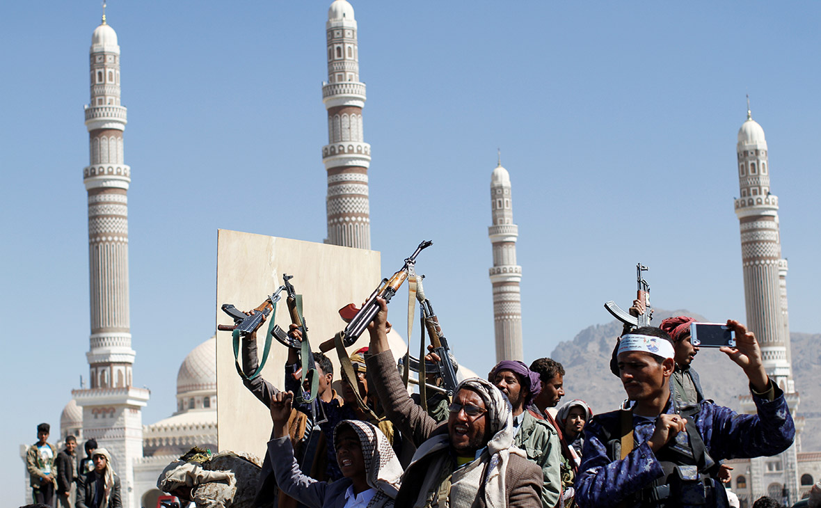 Фото: Mohammed Al-Sayaghi / Reuters