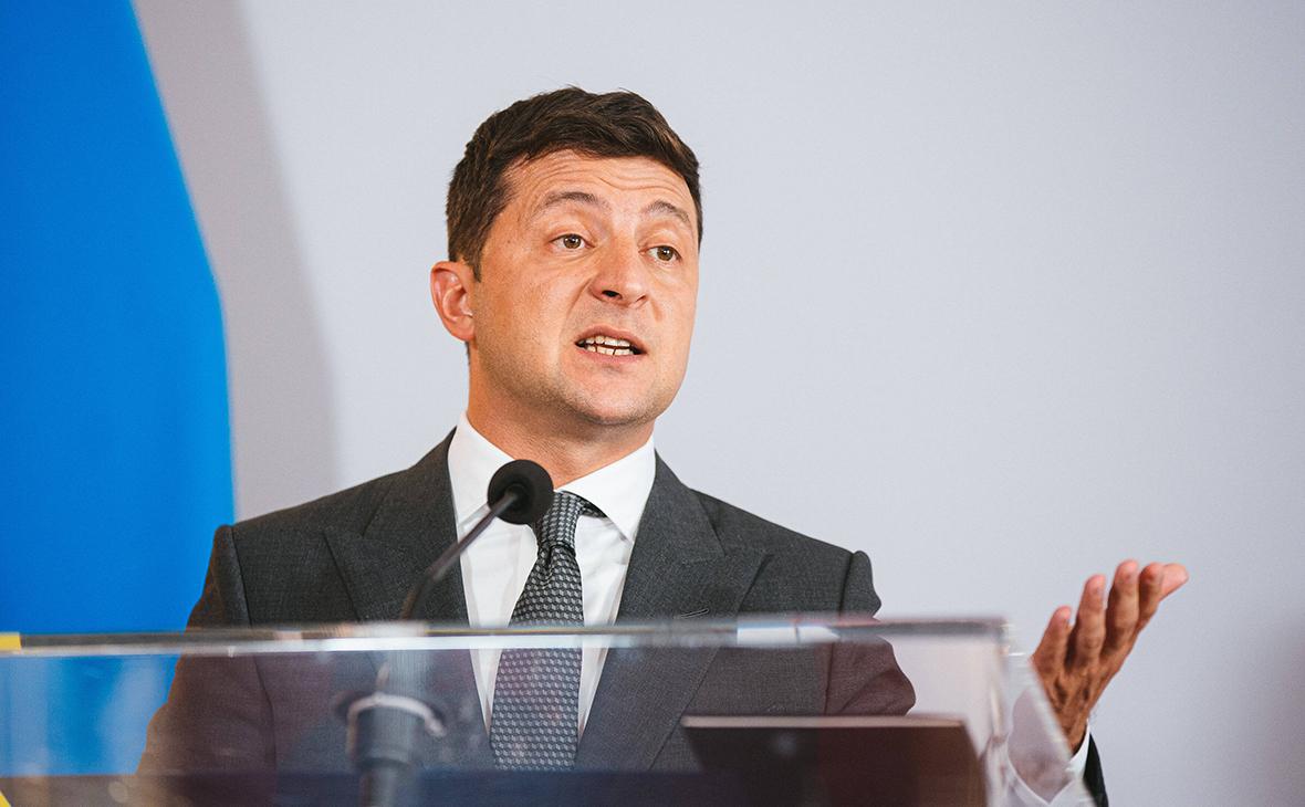 Зеленский объяснил блокировку телеканалов цитатой из Булгакова
