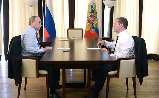 Президент России Владимир Путин и премьер-министр Дмитрий Медведев, 19 июля 2016 года