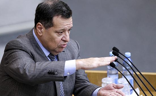 Инициатор поправок о муниципальных сборах с бизнеса, глава думского комитета по бюджету Андрей Макаров