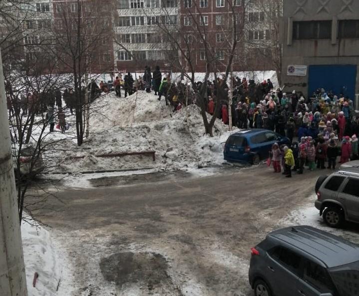 Эвакуация школы №137