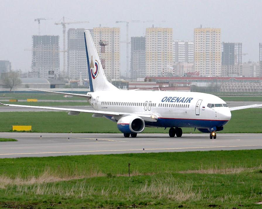 Самолет авиакомпании «Оренбургские авиалинии»