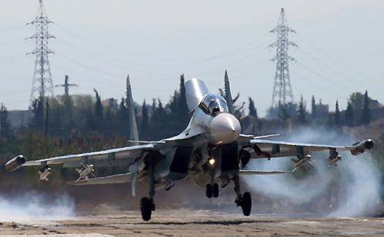 Российский многоцелевой истребитель Су-30 насирийской авиабазе Хмеймим