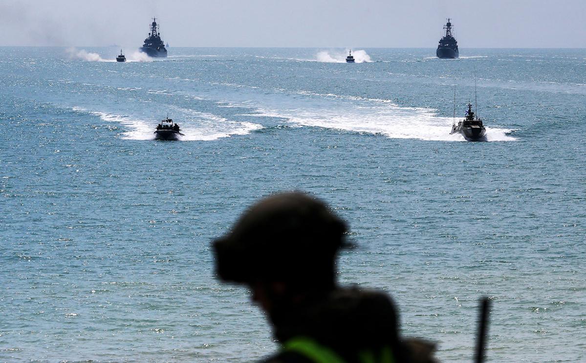 Межвидовые учения Вооруженных сил РФ на полигоне Опук в Крыму