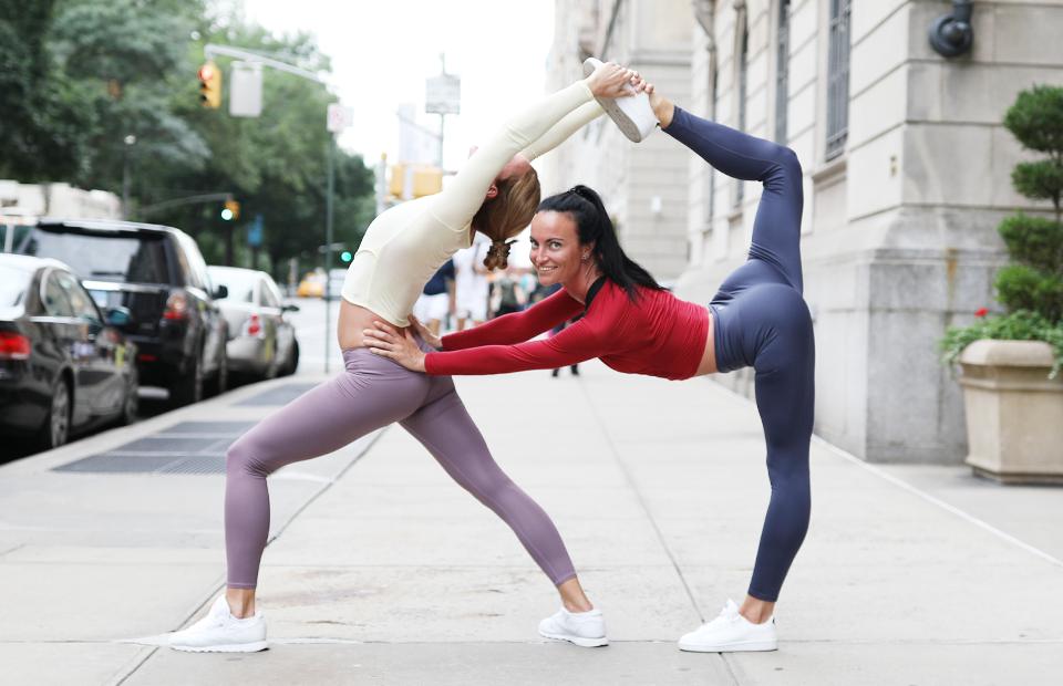 Марина Складчикова и Наталья Николаева, сестры — основатели фитнес-программы StretchIt