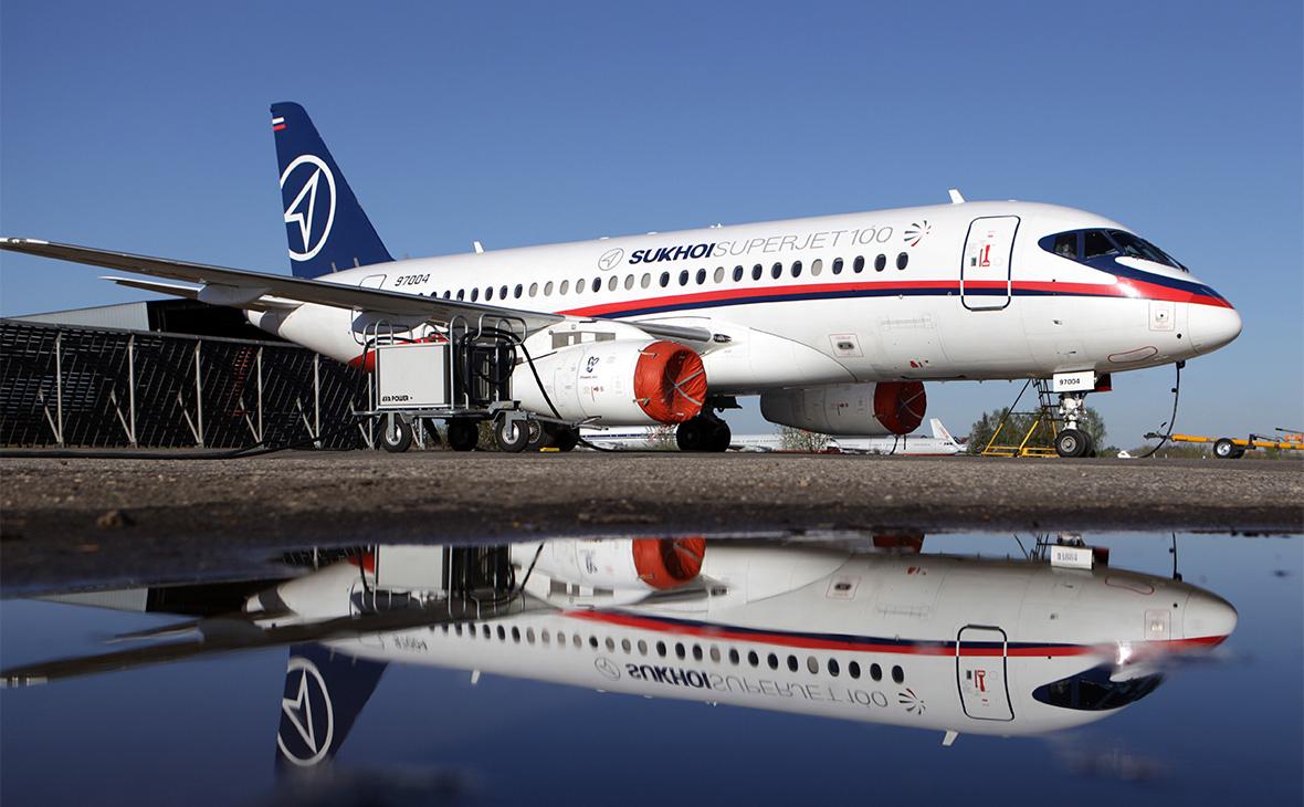 Лайнер Sukhoj Superjet-100