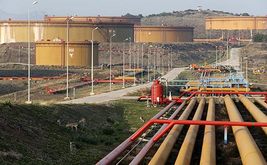 Нефтехранилище в турецком портуДжейхан