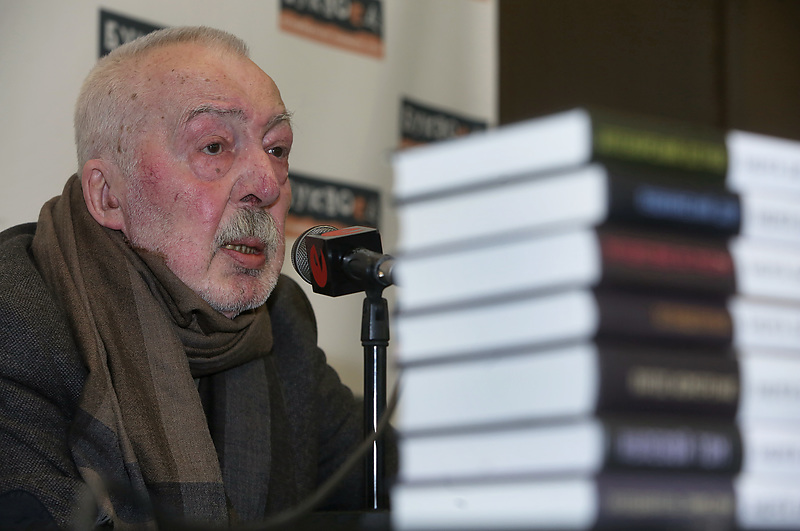 Писатель Андрей Битов (1937-2018)