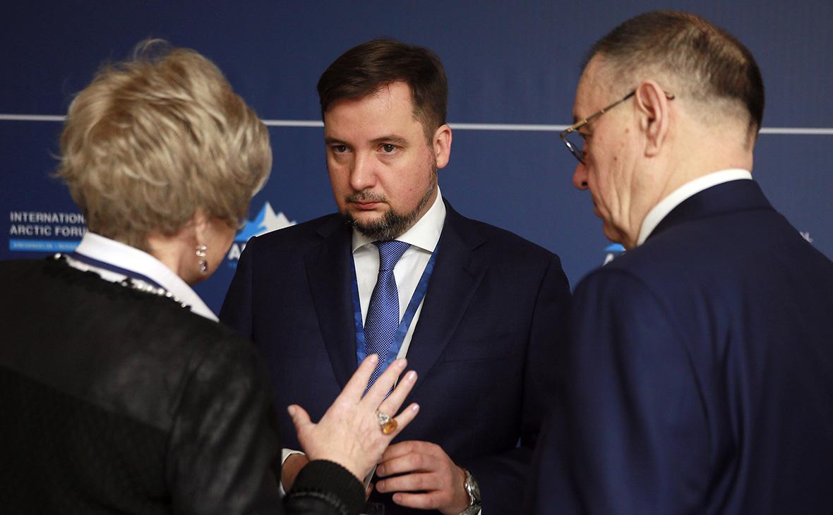 Александр Цыбульский (в центре)
