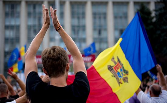 Участникиантиправительственного митинга в центре Кишинева. Архивное фото