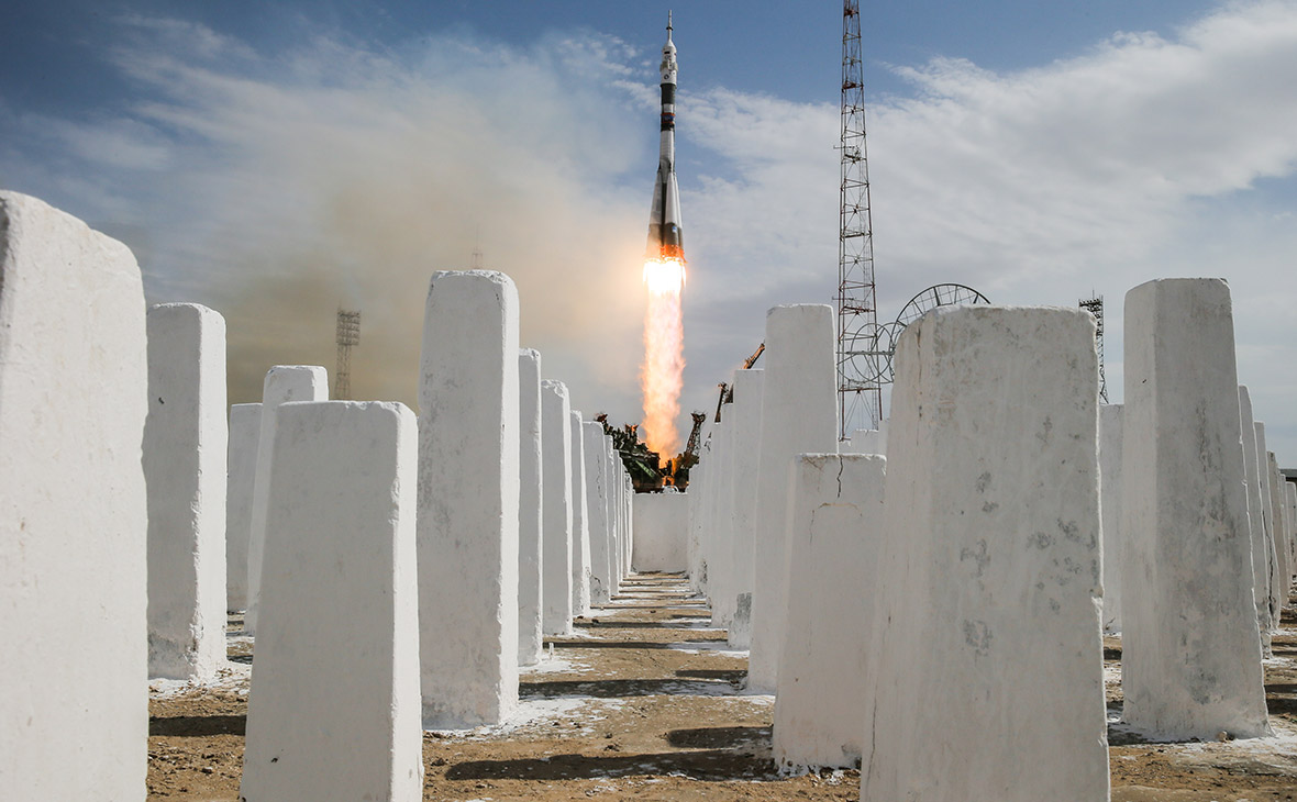 Запуск ракеты-носителя «Союз-ФГ» с кораблем «Союз МС-09» на Байконуре