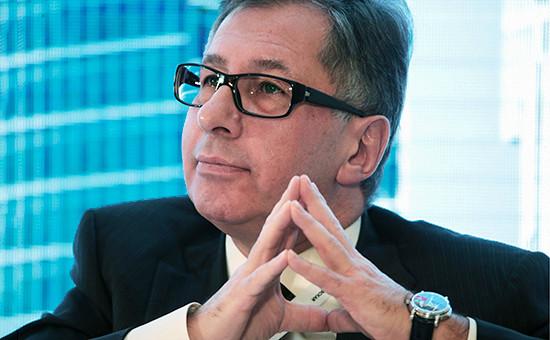Председатель совета директоров банковской группы «Альфа-Банк» Петр Авен наVII Биржевом форуме вМоскве. 12 апреля 2016 года