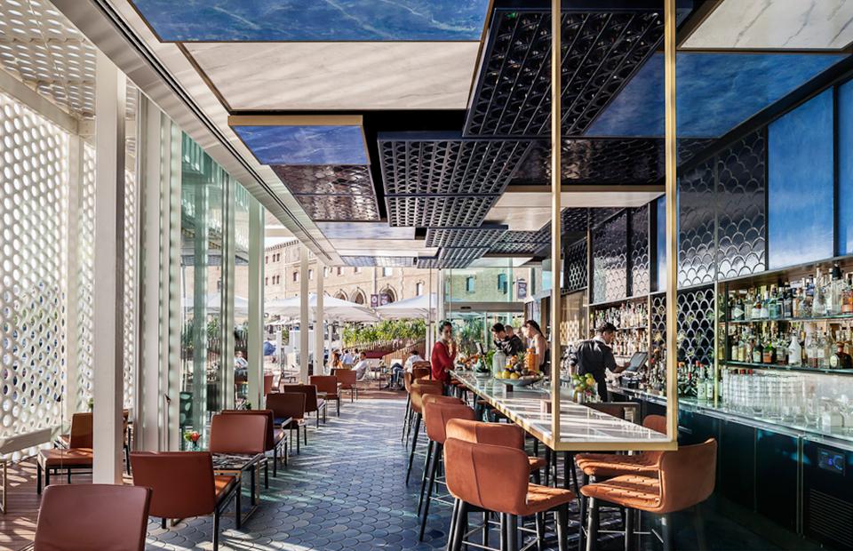 «Самый красивый бар в мире»: Blue Wave, Барселона, Испания