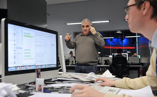 Генеральный директор News Media Арам Габрелянов (в центре)