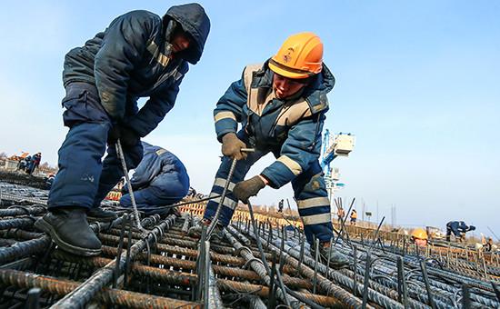 Рабочий на строительной площадке космодрома Восточный