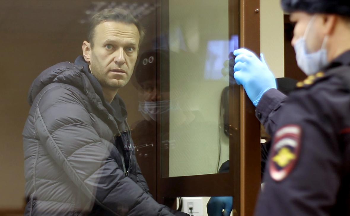 Песков назвал Навального «гражданином противного ему мировоззрения»