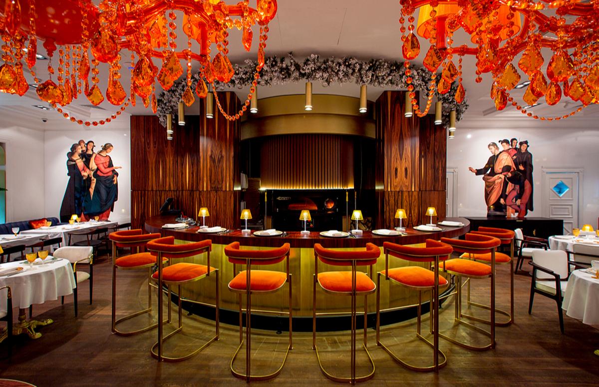 Основной зал ресторана Rossini с печью Marana Forni Tanganelli