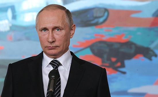 Президент России Владимир Путинна пресс-конференциипо итогам рабочего визита в Киргизию
