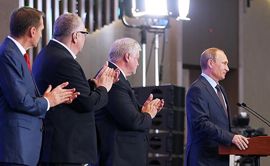 Слева направо - спикер Госдумы РФ Сергей Нарышкин, лидер ЛДПР Владимир Жириновский, лидер партии