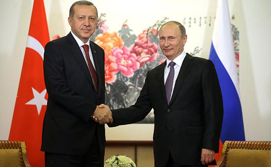 Президент Турции Реджеп Эрдоган и президент России Владимир Путин во время встречи в Китае