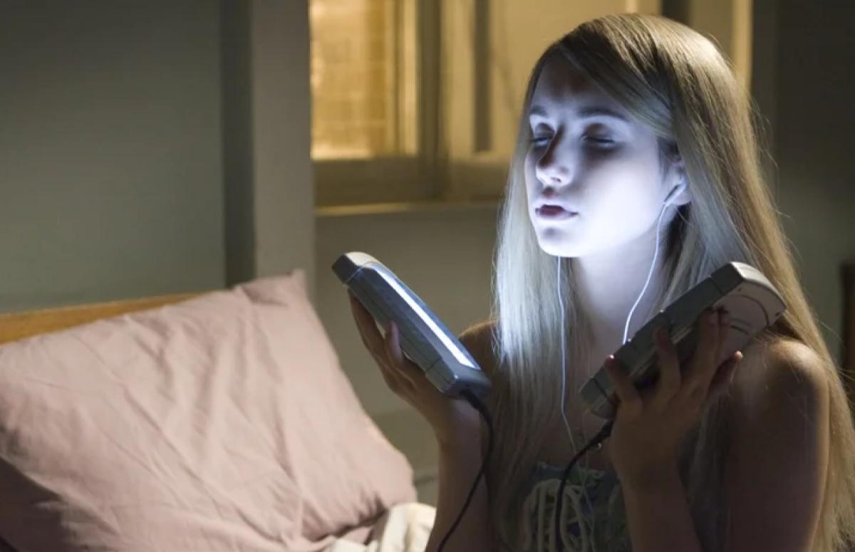 Кадр из фильма «Оторва»