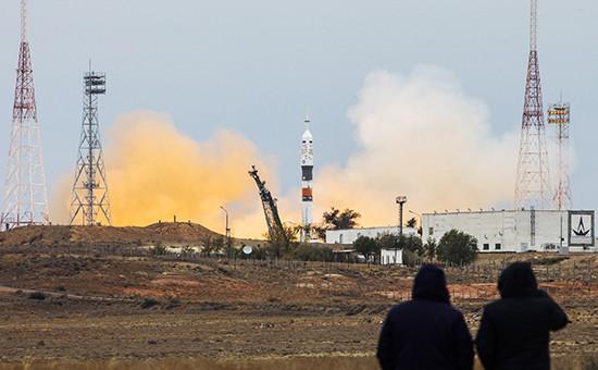 Старт ракеты-носителя «Союз-ФГ» странспортным пилотируемым кораблем «Союз МС-02» скосмодрома Байконур