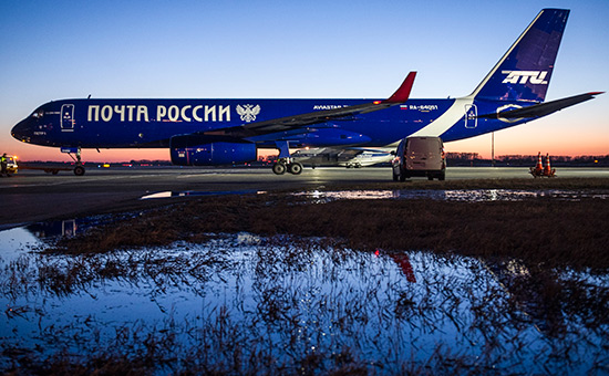 Магистральный самолет «Почты России» Ту-204-100С «Петр I»