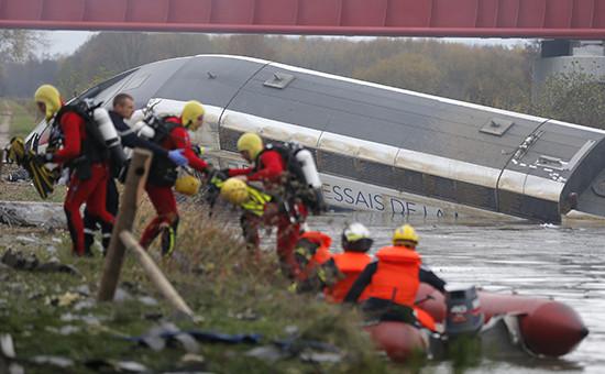 Cкоростной поезд TGV сошел с рельс под Страсбургом