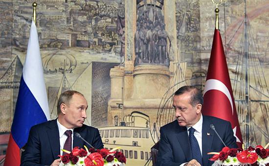 Президент России Владимир Путин и премьер-министр Турции Реджеп Тайип Эрдоган (слева направо)