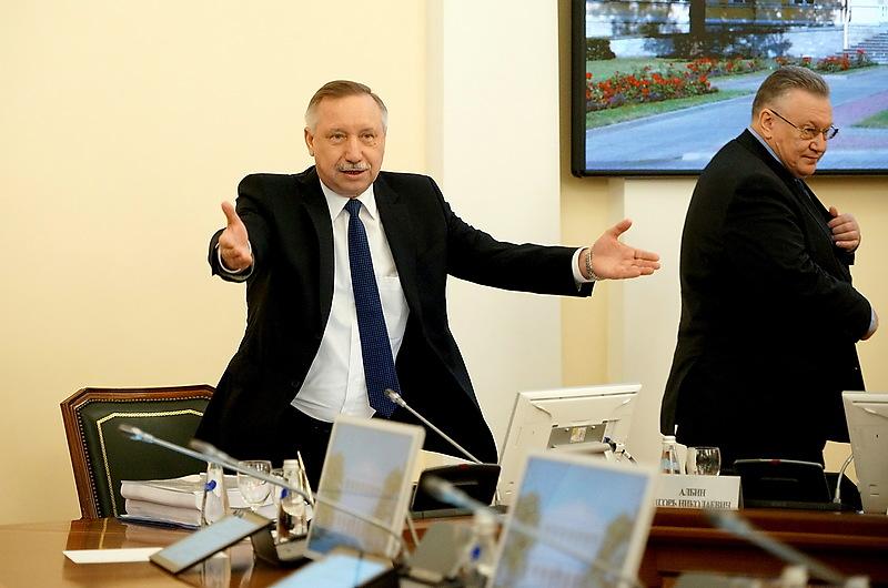 Врио губернатора Петербурга Александр Беглов и вице-губернатор Сергей Мовчан на заседании правительства