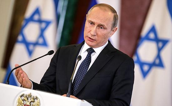 Путин вовремя пресс-конференции поитогам встречи спремьер-министром Израиля Биньямином Нетаньяху вКремле