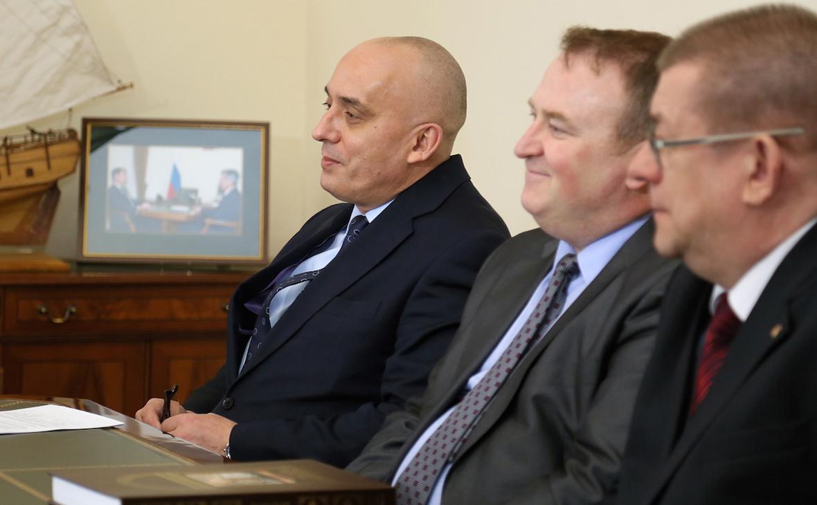 Андрей Ковалев (слева)